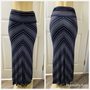 Bella Luxx Los Angeles navy striped maxi skirt